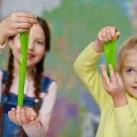 Cara Membersihkan Slime dari Handuk, Selimut, atau Karpet